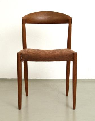 Mid Century Modern Teak Dining Chairs By Hargo Solvsten Knud Andersen Magasin Mobel