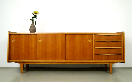 magasin m bel 50er jahre sideboard 186. Black Bedroom Furniture Sets. Home Design Ideas