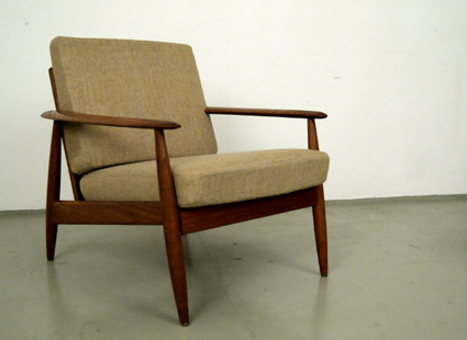 Magasin Mobel Mid Century Modern Easy Chairs