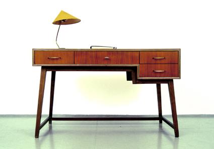 magasin m bel 50er jahre wk m bel schreibtisch 318. Black Bedroom Furniture Sets. Home Design Ideas