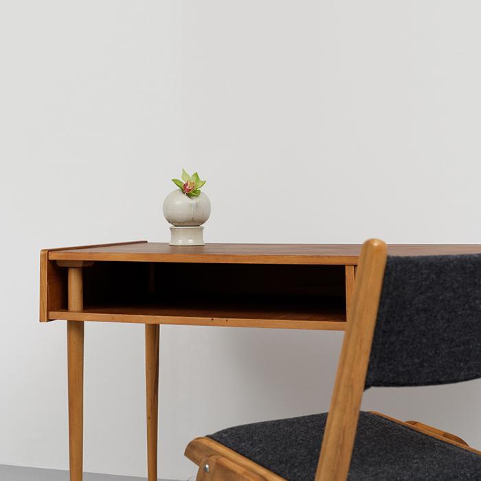 Magasin Möbel Small Mid Century Modern Desk 683