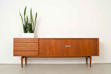 magasin m bel 60er jahre h w klein teak sideboard 371. Black Bedroom Furniture Sets. Home Design Ideas