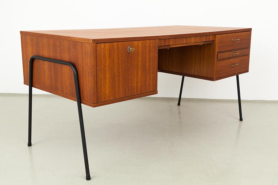 magasin m bel mid century modern teak office desk. Black Bedroom Furniture Sets. Home Design Ideas