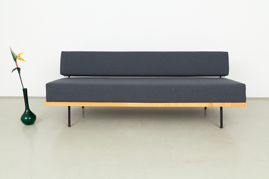 magasin m bel florence knoll daybed 384. Black Bedroom Furniture Sets. Home Design Ideas