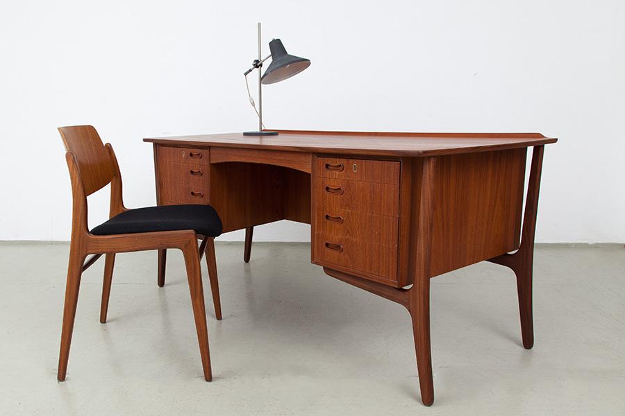 Schreibtisch009