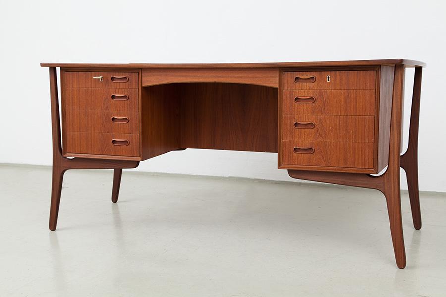 Schreibtisch011