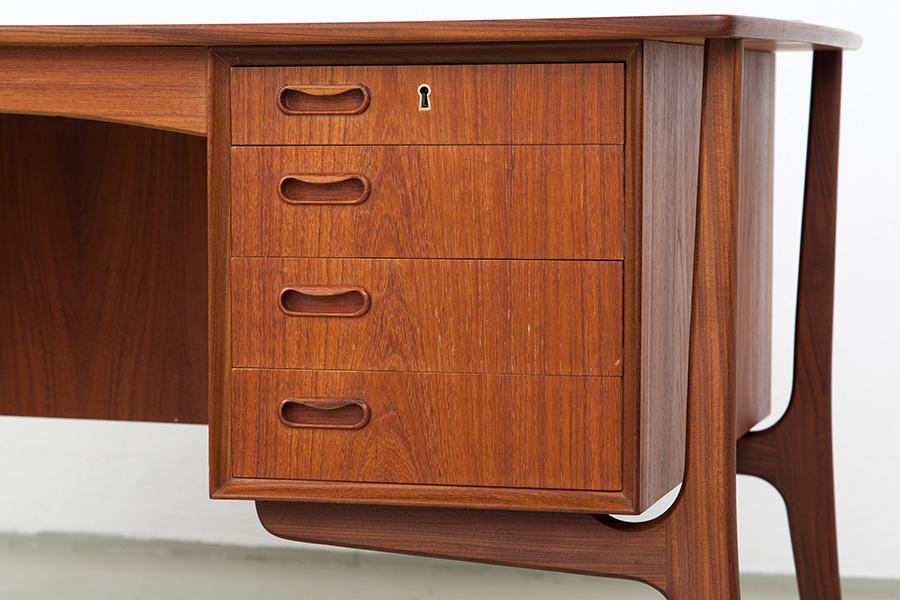 Schreibtisch019