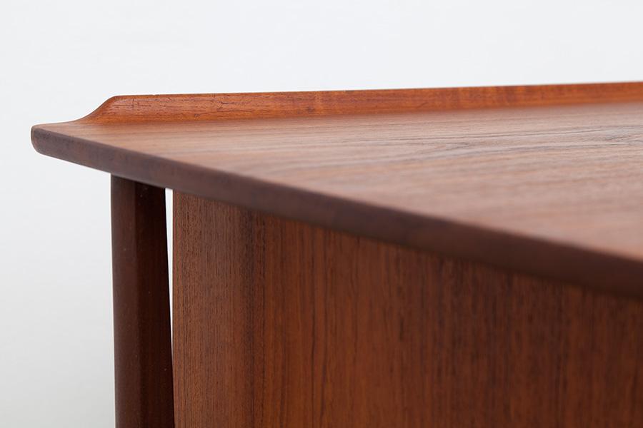 Schreibtisch026
