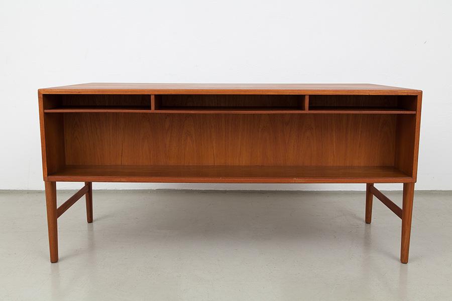Schreibtisch_050