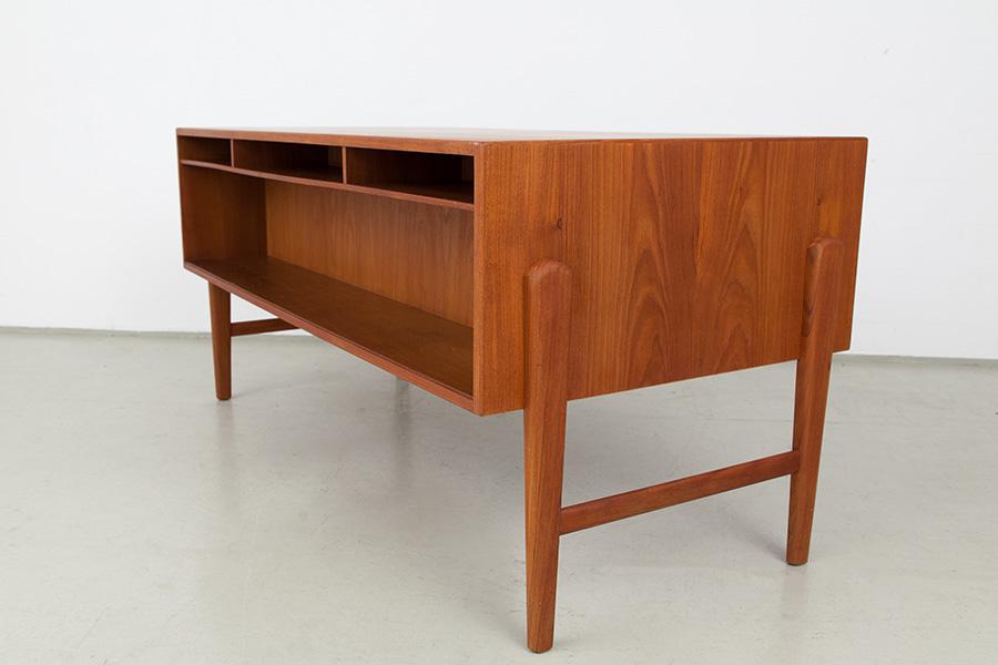 Schreibtisch_051