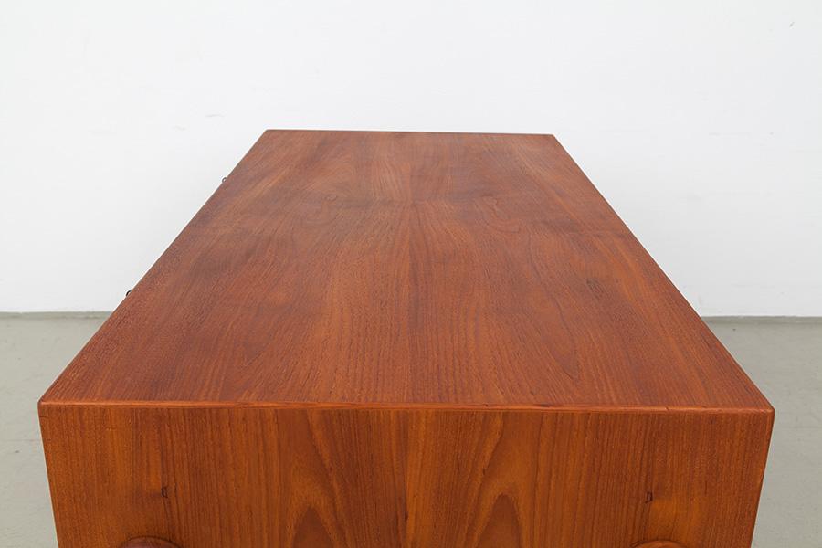 Schreibtisch_053