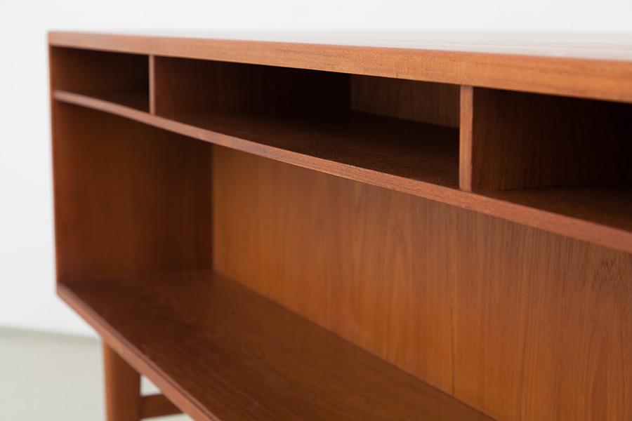 Schreibtisch_058