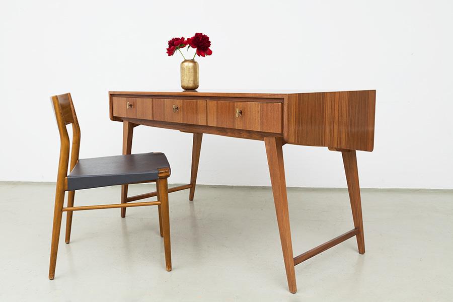 magasin m bel mid century modern desk. Black Bedroom Furniture Sets. Home Design Ideas