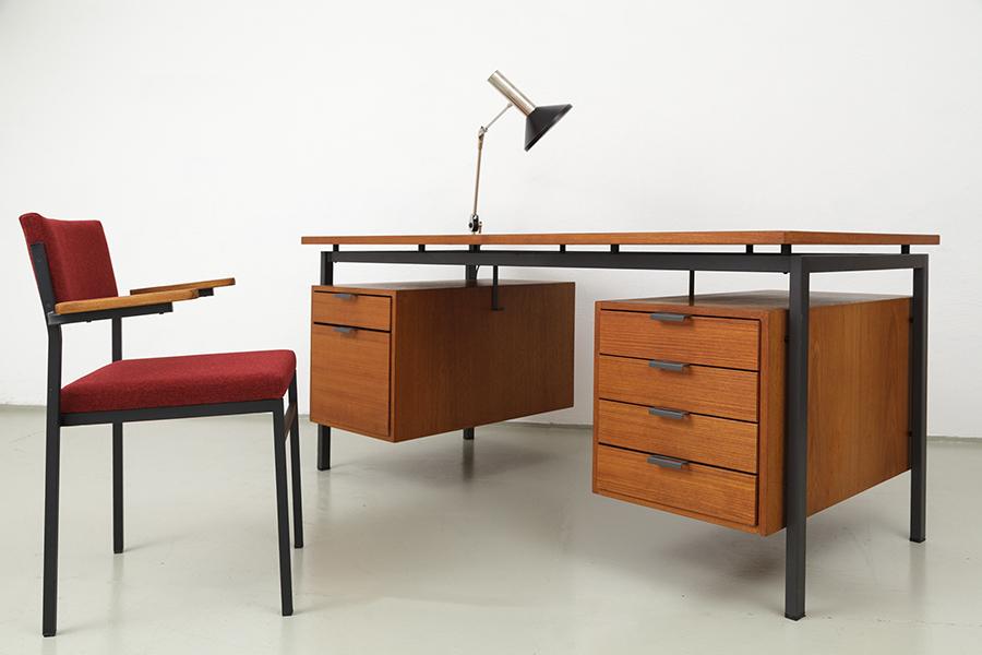 Hirche Holzaepfel Schreibtisch Desk097