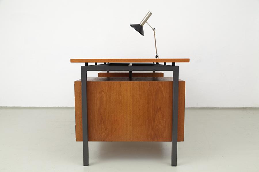 Hirche Holzaepfel Schreibtisch Desk099