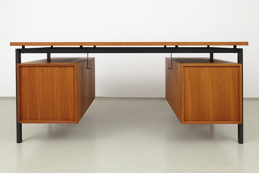 Hirche Holzaepfel Schreibtisch Desk100