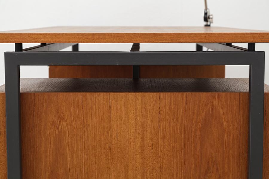 Hirche Holzaepfel Schreibtisch Desk101
