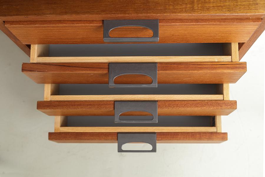 Hirche Holzaepfel Schreibtisch Desk105