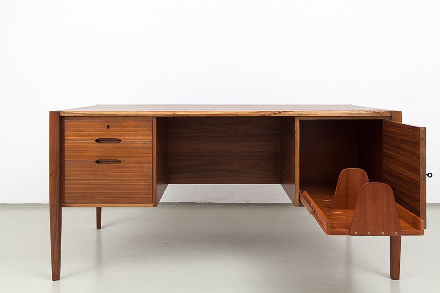 105_60er Jahre Renz Schreibtisch