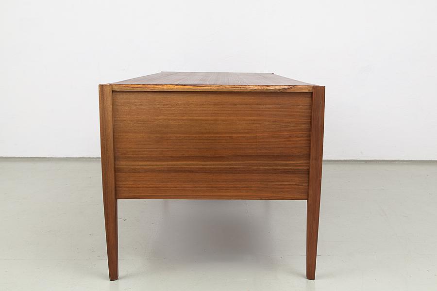 107_60er Jahre Renz Schreibtisch