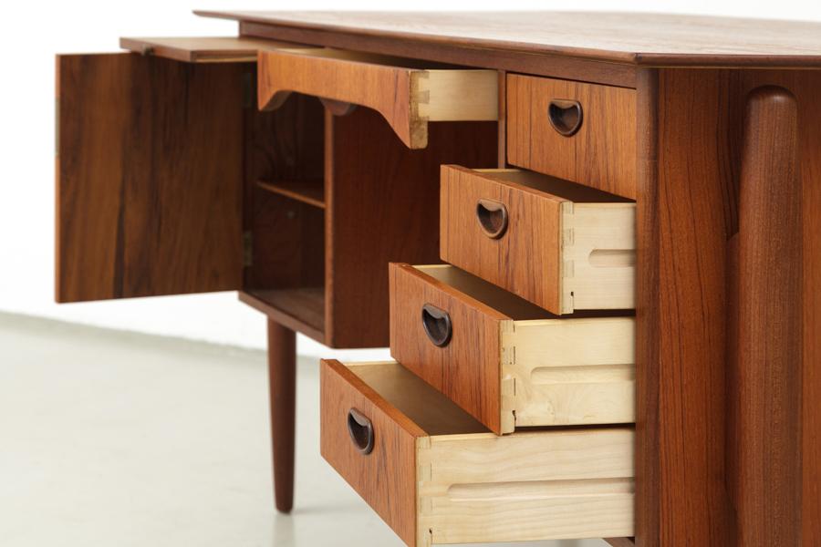 magasin m bel 50er jahre teak schreibtisch 461. Black Bedroom Furniture Sets. Home Design Ideas