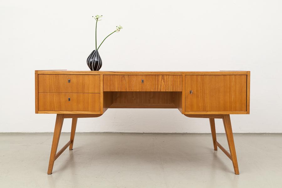 Hellerau-Schreibtisch, vintage, 50er
