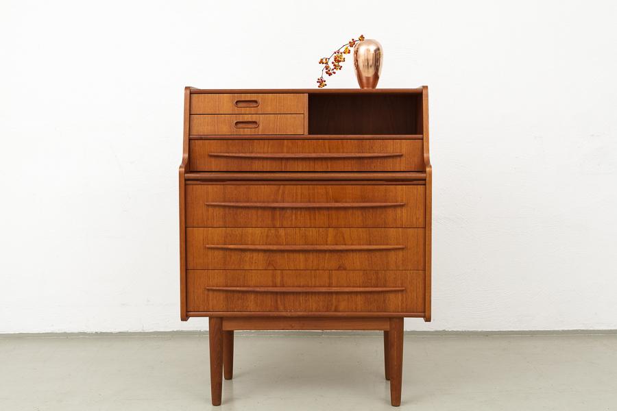 magasin m bel kleiner 60er jahre teak sekret r 516. Black Bedroom Furniture Sets. Home Design Ideas