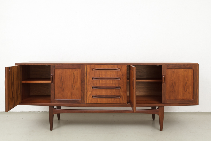 magasin m bel 60er jahre teak sideboard 518. Black Bedroom Furniture Sets. Home Design Ideas