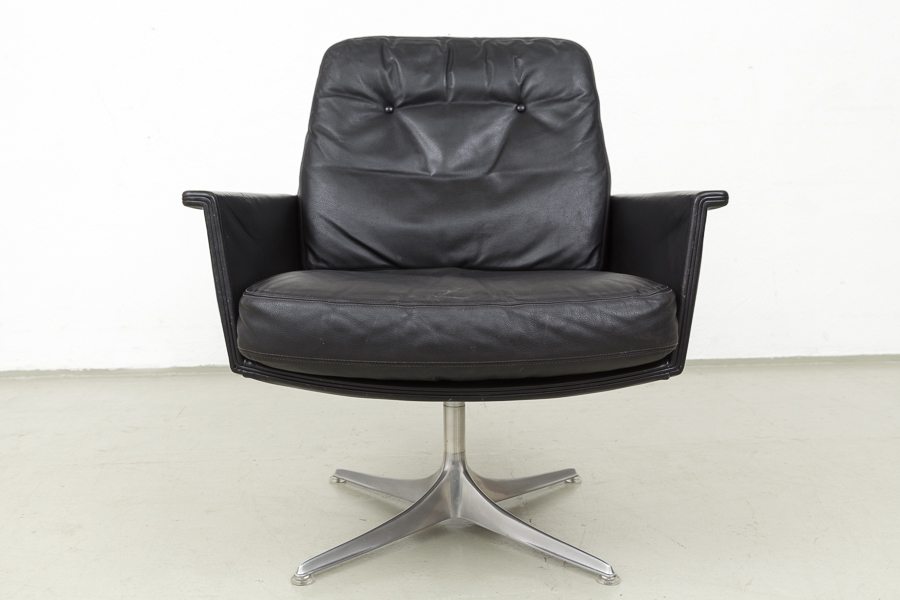 Magasin m bel mid century modern horst br ning sedia for Couch 60 jahre