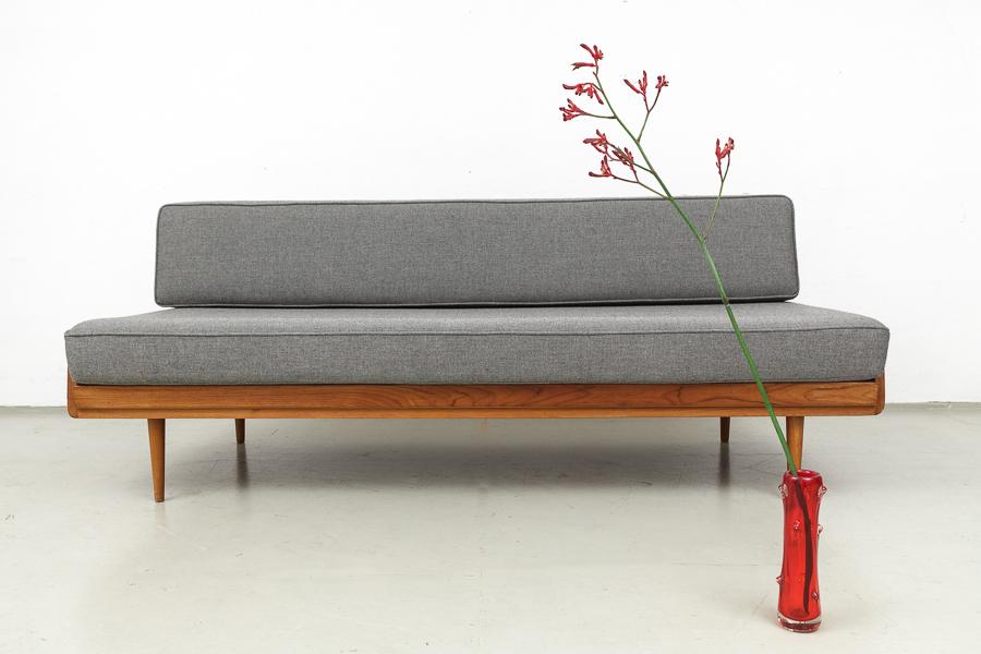 Magasin m bel 60er jahre teak knoll antimott sofa 552 for Sofa 60er stil