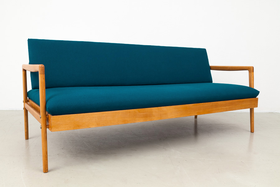 Mid century modern sofa danish modern sofa fabulous mid for Couch 60 jahre