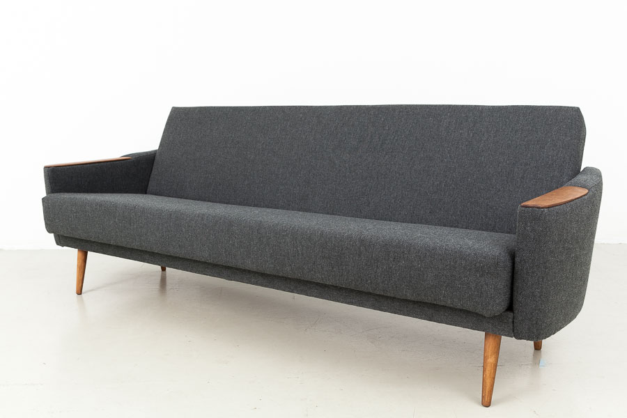 Magasin m bel mid century modern sofa daybed 572 for Couch 60 jahre
