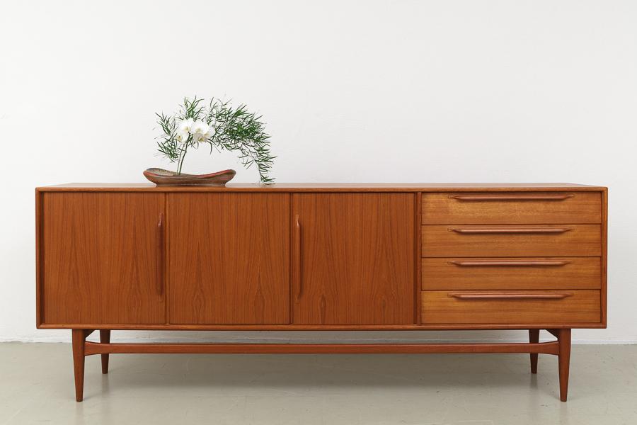Massivholzmöbel sideboard modern  MAGASIN Möbel » 60er Jahre Teak Sideboard (590)