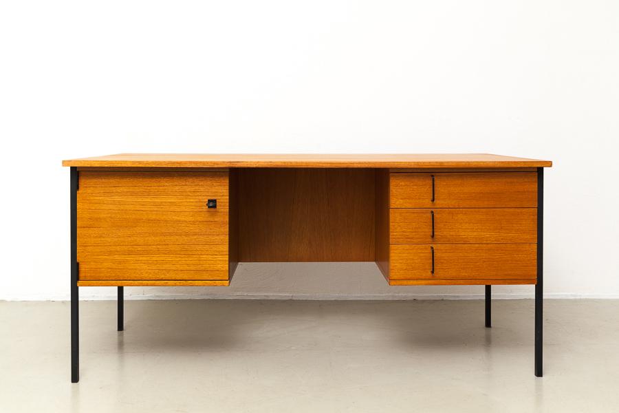 magasin m bel 60er jahre teak schreibtisch 592. Black Bedroom Furniture Sets. Home Design Ideas