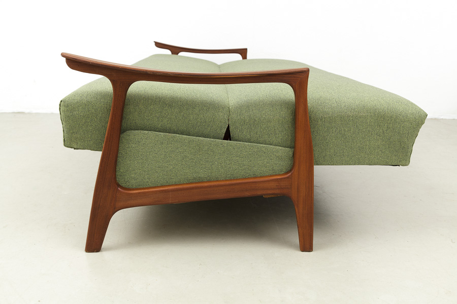 Magasin m bel mid century modern teak sofa daybed 609 for Couch 60 jahre