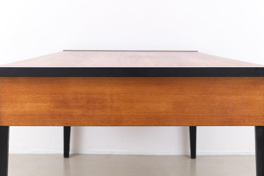 magasin m bel grosser 60er jahre scheibtisch 610. Black Bedroom Furniture Sets. Home Design Ideas