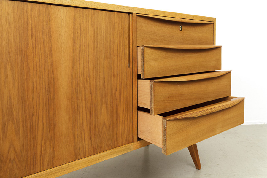 magasin m bel mid century modern sideboard 618. Black Bedroom Furniture Sets. Home Design Ideas