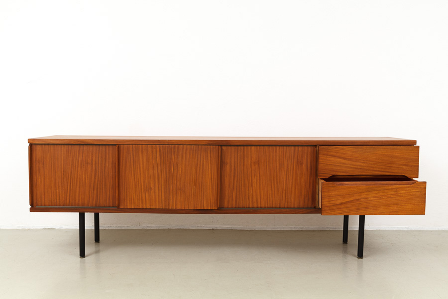 magasin m bel mid century modern sideboard 617. Black Bedroom Furniture Sets. Home Design Ideas