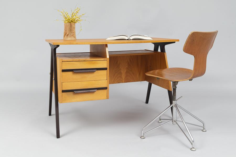 Small Mid Century Modern Desk 640 Magasin Mobel