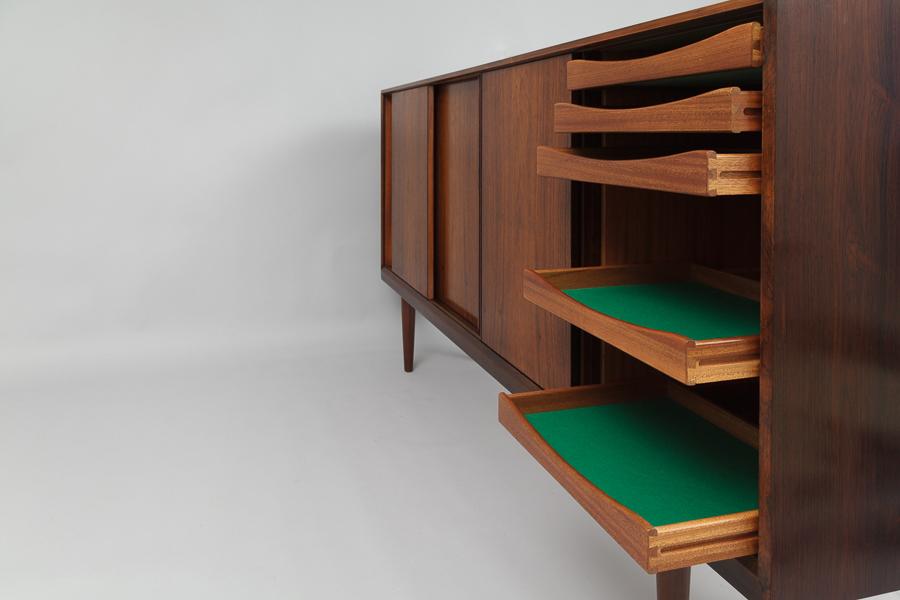 magasin m bel mid century modern rosewood sideboard 636. Black Bedroom Furniture Sets. Home Design Ideas