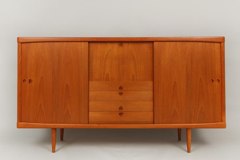 magasin m bel mid century modern teak highboard by bramin 657. Black Bedroom Furniture Sets. Home Design Ideas