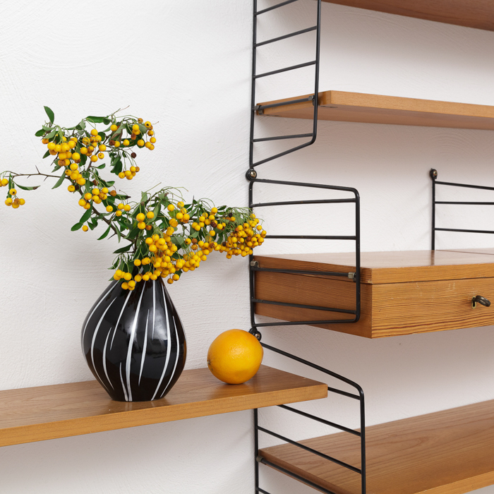 string regalsystem trendy verkauft with string. Black Bedroom Furniture Sets. Home Design Ideas