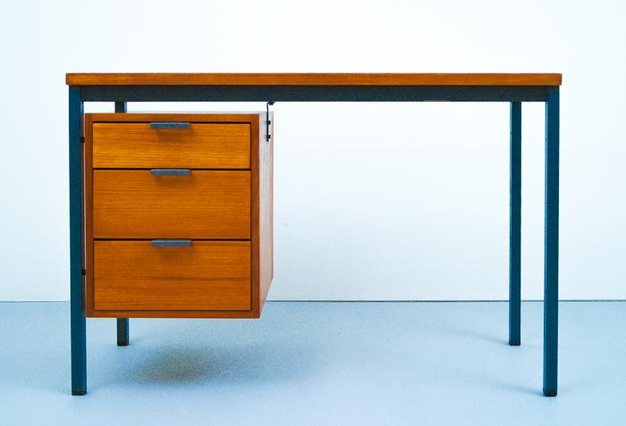 Hirche Holzäpfel Schreibtisch
