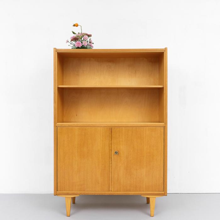magasin m bel 1950er jahre schrank mit glas schiebent ren 734. Black Bedroom Furniture Sets. Home Design Ideas