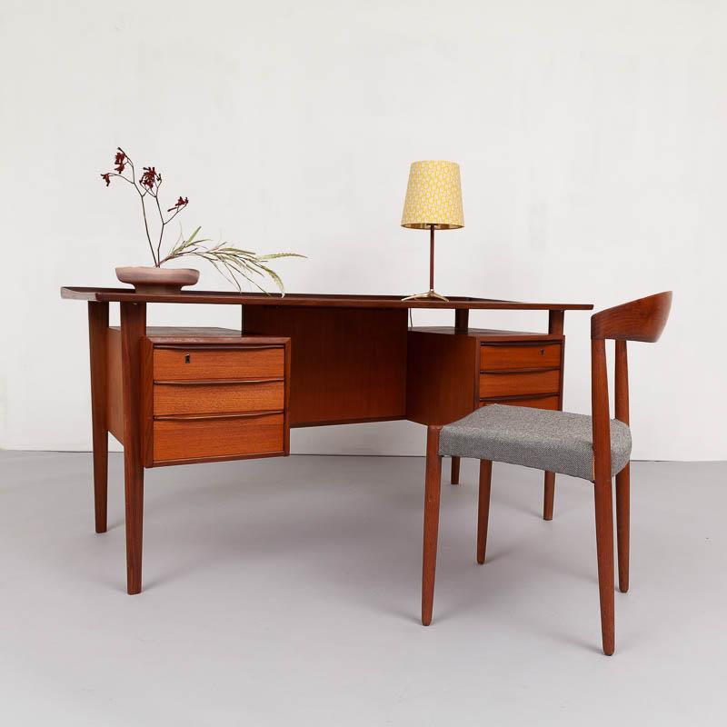 Peter Lovig-Schreibtisch in Teak