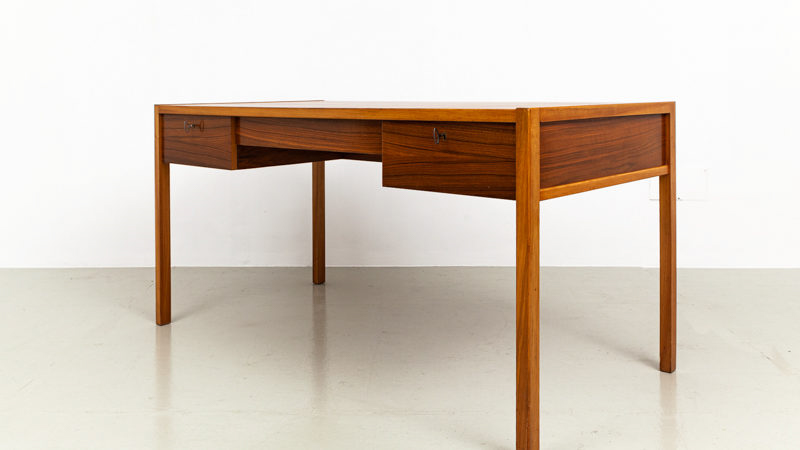 DW- Schreibtisch, Deutsche-Werkstaetten-schreibtisch aus den 60er Jahre