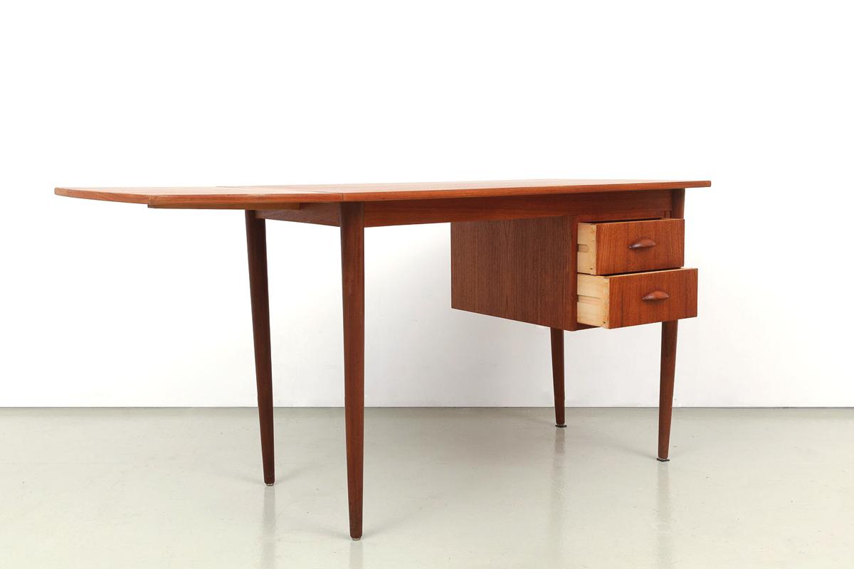 Teakholz kleiner Schreibtisch 60er