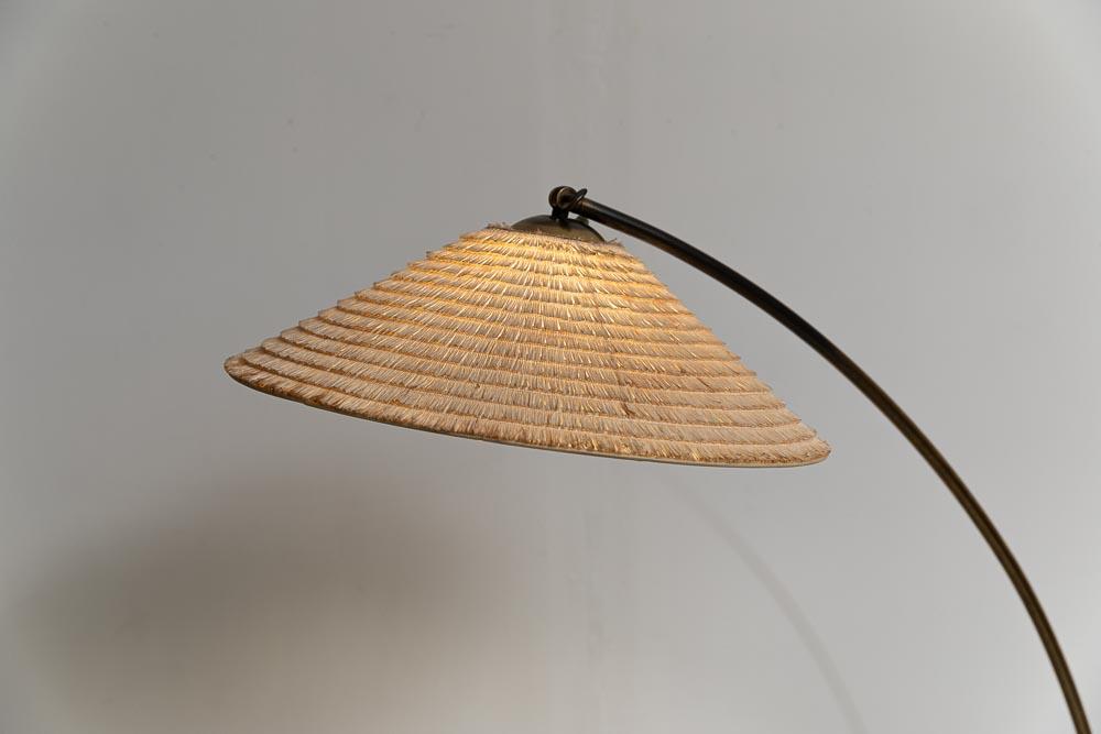 GroßeTemde Stehlampe mit Sisalschirm aus den 50er Jahren.