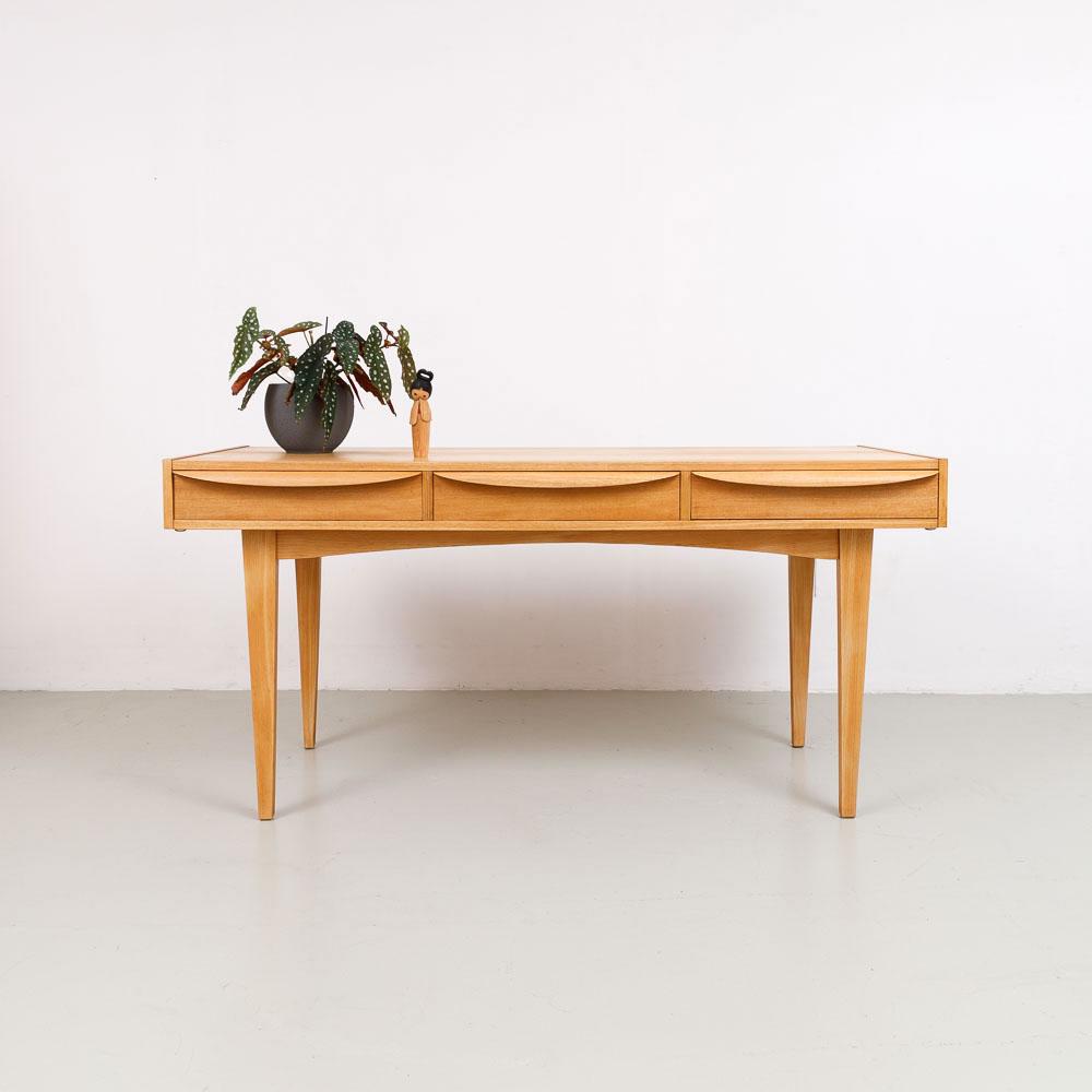 Hellerau Schreibtisch, Serie 602, Franz Ehrlich