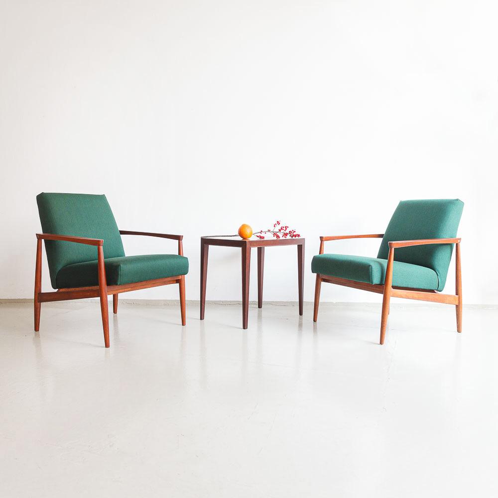 Sessel aus den 60er Jahren mit Holzarmlehen